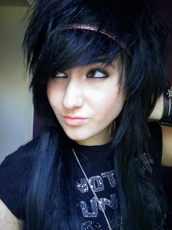 emo haircuts for girls with medium hair. emo haircuts for girls with